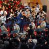 JALとANA、羽田でクリスマスコンサート 相互のターミナルで