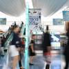 羽田空港、東京五輪向け大会エンブレム装飾 国内・国際線ターミナルで