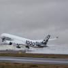 エアバス、A350-1000の初飛行3機目 試験機すべて揃う