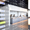 滑走路と駐機場一望 写真特集・羽田空港パワーラウンジ新装開業(2タミ・ノース編)