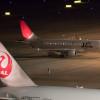 JAL/JAS統合の象徴、15年経て羽田から姿消す 写真特集・アーク塗装E170