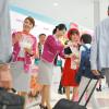 ピーチ、関空で和歌山のモモ 6回目の配布イベント、600個用意