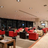 シート間隔ゆったり、麺類も 写真特集・JALメルボルン空港ラウンジ「マルハバ」