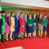 アリタリア、70周年をCA歴代制服で祝う 伊大使館で記念式典
