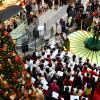 JAL合唱団フロイデ、クリスマスの羽田で歌声披露
