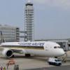シンガポール航空、関空で787-10日本初公開 就航50周年、5月に世界初定期便