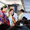 石垣行き初便、琉装CAがおもてなし 写真特集・バニラエア最後の新路線就航