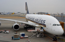 シンガポール航空、純利益55.5%減 14年4-9月期