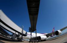 関空、エアバスA380の2階用搭乗橋が使用開始