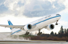 ボーイング、クウェート航空から777-300ERを10機受注