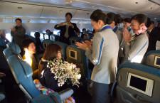 ANA、おもてなしの達人CAが初日の出フライト 機内でプロポーズも