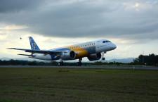 エンブラエル、E190-E2初飛行成功 MRJ最大のライバル、前倒しで