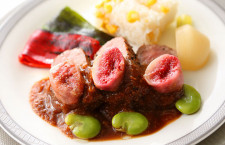シンガポール航空、黒毛和牛の機内食 国交樹立50周年で2カ月限定