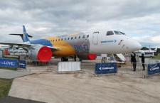 大きな手荷物収納棚でMRJ対抗 写真特集・エンブラエルE190-E2の機内