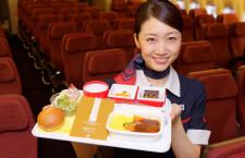 JAL、資生堂パーラーと機内食コラボ ホノルル線でビーフシチュー