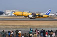 ANAのC-3POジェット、伊丹離陸 羽田から21日就航