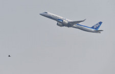 MRJ、パリ航空ショー初出展終え離陸