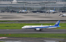 ANA、A321neo国内初就航 電源と個人モニター装備