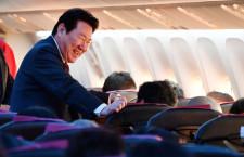 植木社長「機内のムードすごくいい」写真特集・JAL初日の出フライト