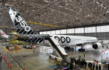 エアバスとJAL、A350-1000お披露目 植木社長「長距離国際線の後継機」