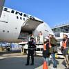 JAL、セントレアで787見学会 間近で接する小学生大喜び