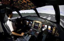 JAC、ATR42のシミュレーター日本初導入