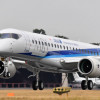 MRJ、ファンボロー航空ショーで初の飛行展示 宮永社長「強い競争力ある」