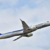 MRJ、応急処置しフライト披露 ファンボロー航空ショー3日目、翼振ってアピール