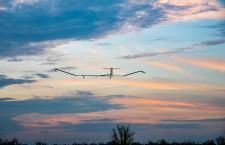 エアバス、無人機で25日間飛行 ソーラー駆動「ゼファー」、世界最長