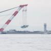 関空連絡橋、橋桁の撤去開始 鉄道は月内再開へ