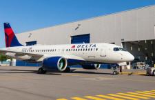 デルタ航空のA220、塗装工場からロールアウト 19年就航