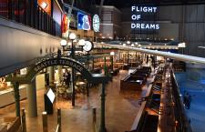 翼の下で食事できる スタバなど16店舗、シアトル再現 特集・中部787施設Flight of Dreams(商業エリア編)