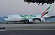 エミレーツ、A380・従業員3万人削減か 海外報道