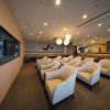 静岡空港、滑走路が見えるラウンジ開業 お茶を充実