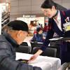 JAL、成田空港で年越しそば 十勝・新得町産で復興支援