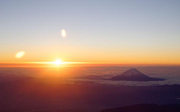 JAL、羽田と成田で初日の出フライト 2020年示す2011便と令和2年0211便