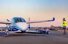 ボーイング、電動有人試験機が初飛行 eVTOL機で