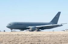 ボーイング、KC-46A初納入 マッコーネル空軍基地に到着