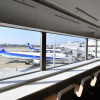 ANA、福岡新ラウンジお披露目 窓から飛行機、最上級「スイート」新設