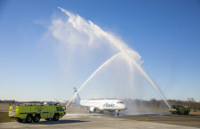 アラスカ航空、ペインフィールド就航 ボーイング工場隣接