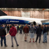 777X、ボーイングが従業員向けお披露目