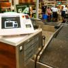 JAL、ホノルル空港に自動手荷物預け機