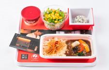 JAL、出汁がテーマの機内食 「賛否両論」笠原シェフ監修、半月ごと6種類