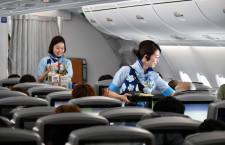 広々とした2階席のプレエコ 搭乗記・空飛ぶウミガメ ANA A380(後編)
