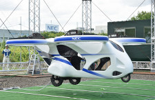 "NEC、""空飛ぶクルマ""浮上実験に成功 GPSで自律飛行、20年代半ば人員輸送開始へ"