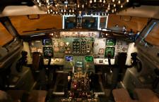 アナログ計器やシート灰皿跡が四半世紀物語る 写真特集・ANA 737-500スーパードルフィン福岡公開(機内編)