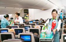 大韓航空、創立50周年記念し歴代制服フライト