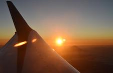 春秋航空日本、初の初日の出フライト 南アルプス上空で158人観賞