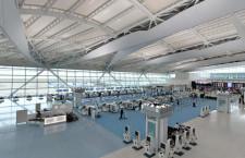 羽田空港、2タミ国際線施設オープン 滑走路一望、ANAが乗り入れ