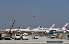 JALとANAの大型機、羽田空港にひしめく 国際線大量運休で